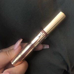 Kylie Cosmetics Makeup - Kylie Jenner matter lipstick